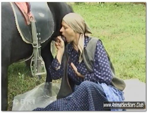 Funny Farm – Violetta Rossellini – The Dirty Bitch (Violett) – Animal Sex Scenes